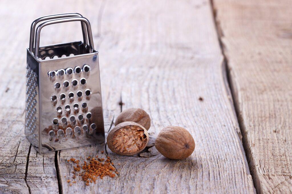 Muskatni oraščić za hemoroide